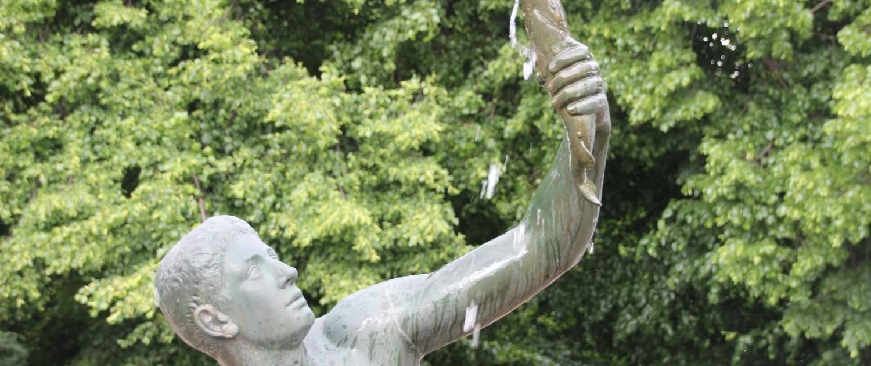 Fischerbrunnen 02